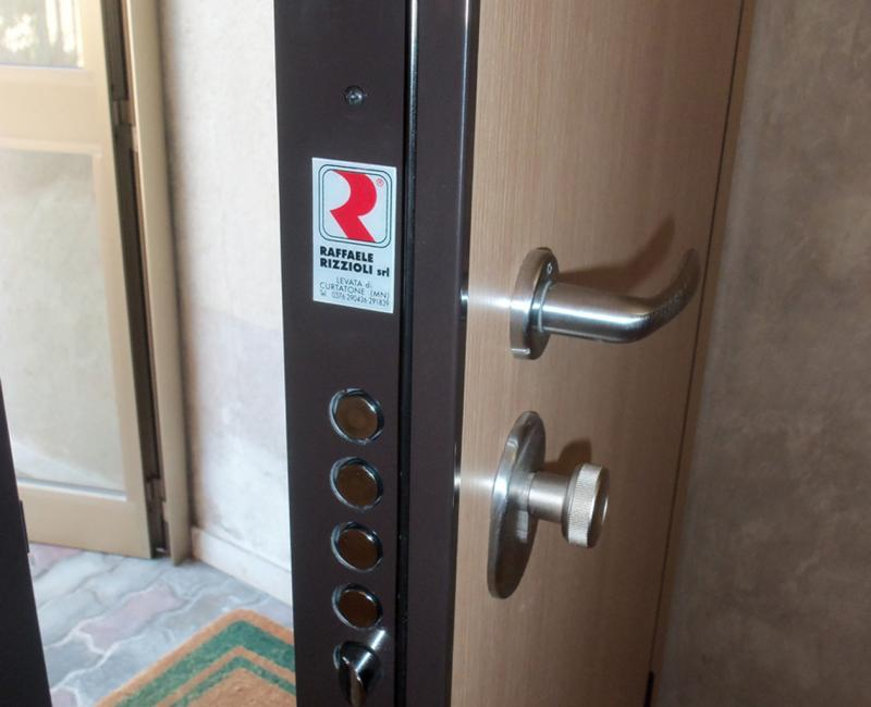 Dettaglio serratura blindata